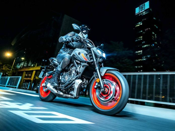Yamaha-MT-07-ganha-novo-visual-na-gringa
