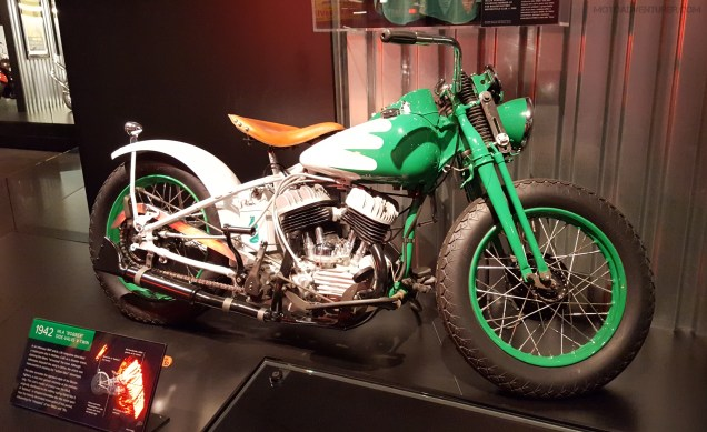 MotoADVR_Harley42WLAbobber