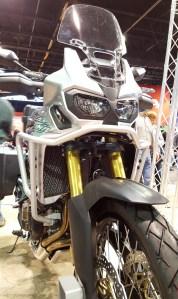 MotoADVR_HondaAfricaTwinFrontSilver