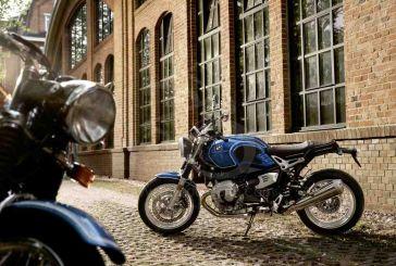 Une BMW RnineT /5 à l'occasion du 50e anniversaire de la série 5