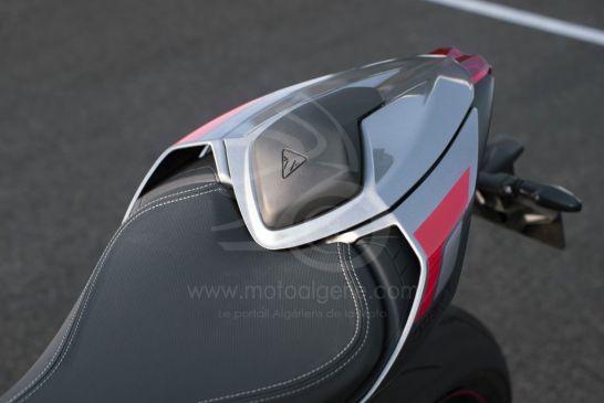 Triumph 2020-New_Street_Triple_RS-Detail_13.2935aa77