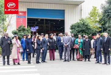 Des ambassadeurs de 29 pays africains en visite des locaux de LIFAN en Chine