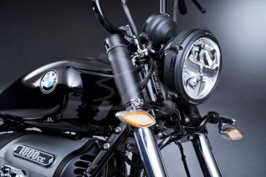 P90386368_lowRes_the-bmw-r-18-04-2020