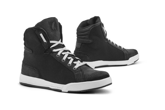 FORMA Boots 2020 - Urban - SWIFT-J-DRY-BLK-WHITE