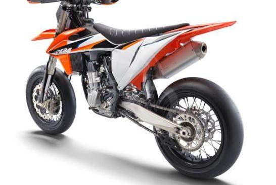 KTM 450 SMR 2021 studio2