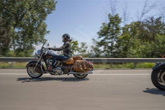 vintage_crimsonmetallic_riding_my21_002043