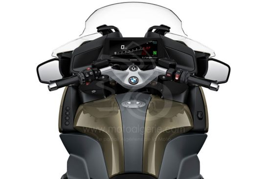 P90402249_highRes_the-new-bmw-r-1250-rt 2021