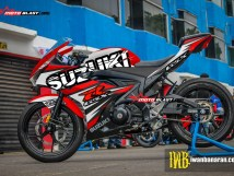 GSX-R150 - BLACK PUZZLE RED