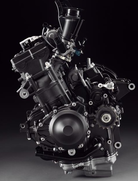 Yamaha-YZF-R1-2011-engine