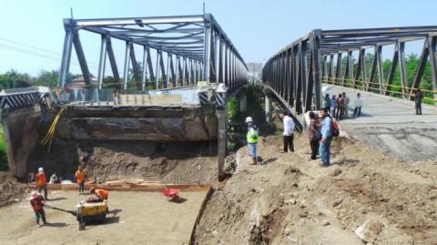 penghubung jembatan comal