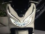 pcx 150 18 headlamp on s