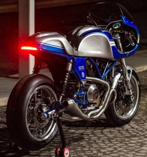 ducati-sport-classic-gt1000-rear view