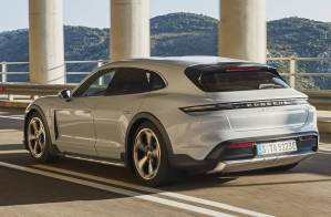 Porsche Taycan Cross Turismo 2021 (14)