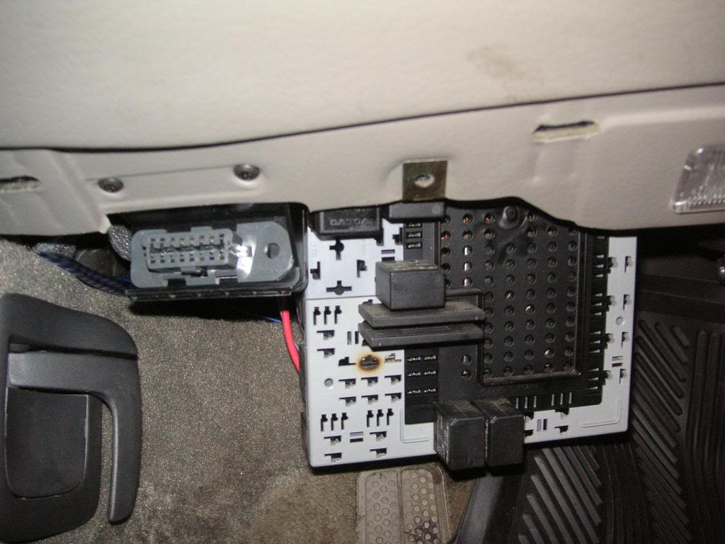 hight resolution of 2001 volvo s40 fuel pump relay location