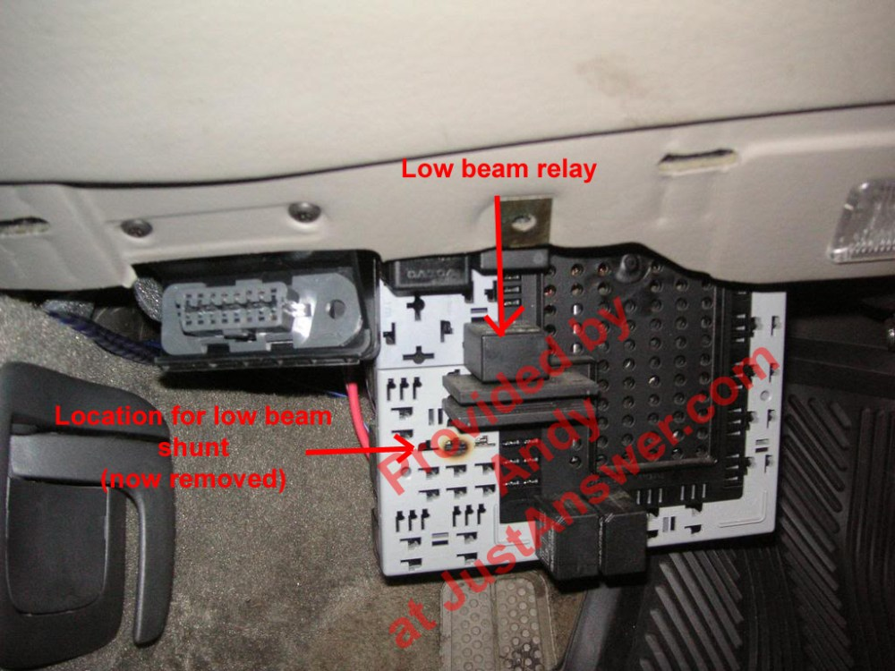 medium resolution of 2001 volvo s40 fuel pump relay location