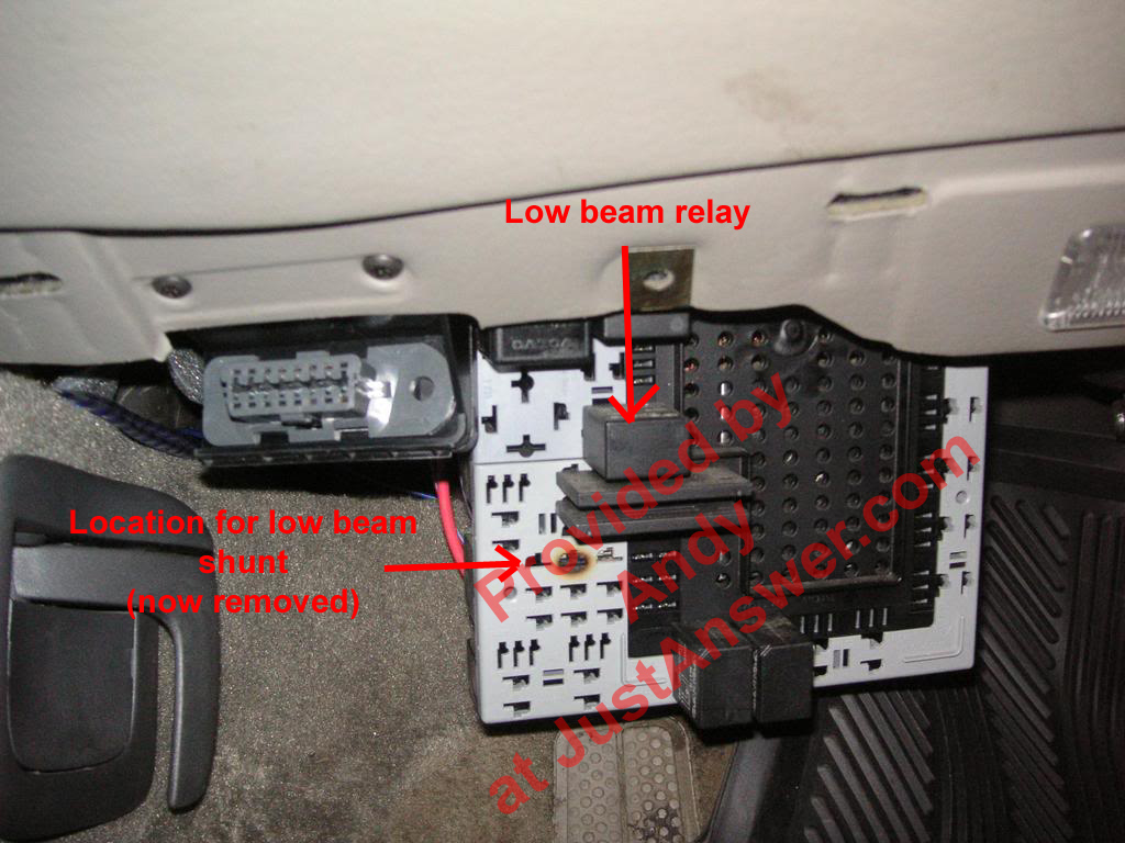 hight resolution of 2001 volvo s40 fuel pump relay location
