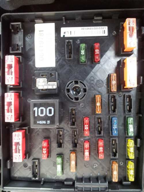 small resolution of 2006 vw passat fuse box diagram