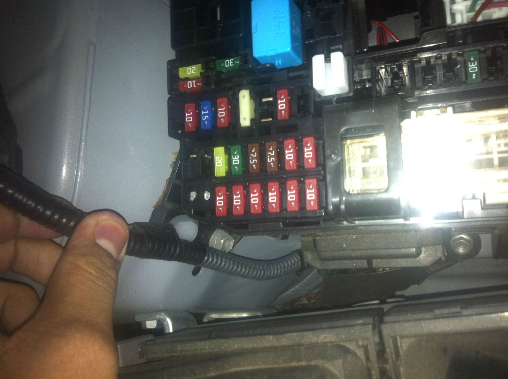 hight resolution of 2014 toyota camry fuse box wiring library2009 toyota corolla alternator fuse 2005 toyota camry