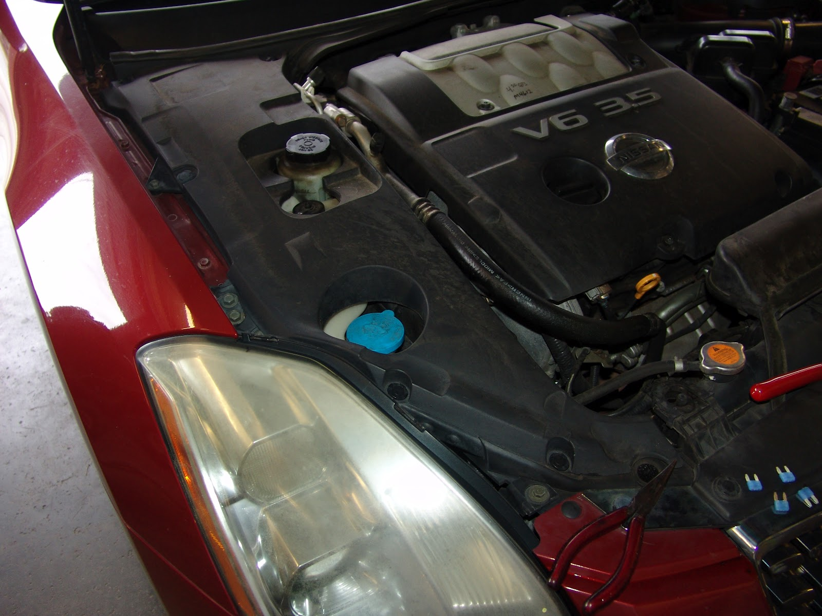hight resolution of nissan 350z fuse box location