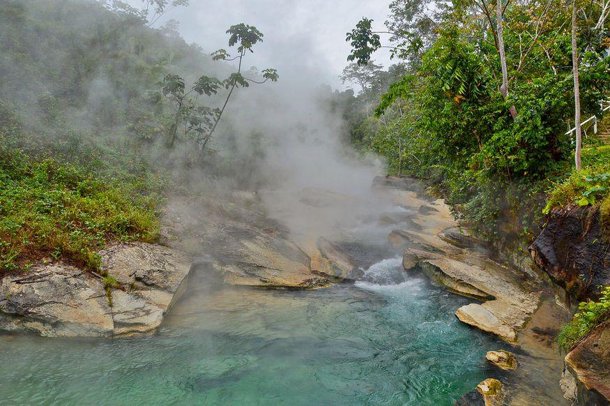 Река в Перу которая кипит