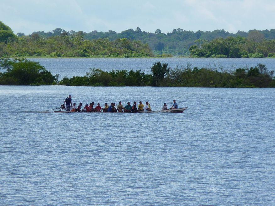 Транспорт на короткие расстояния на реке Амазонке