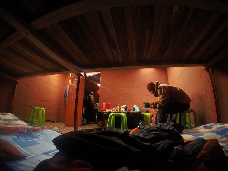 Ночь в горном приюте Уайна Потоси