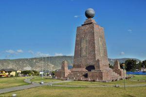 Линия экватора в Кито