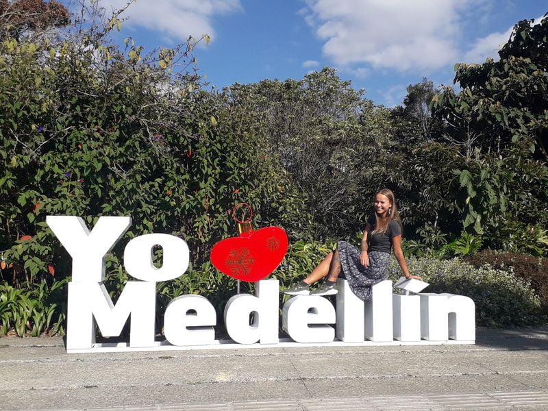 Надпись Я люблю Медельин