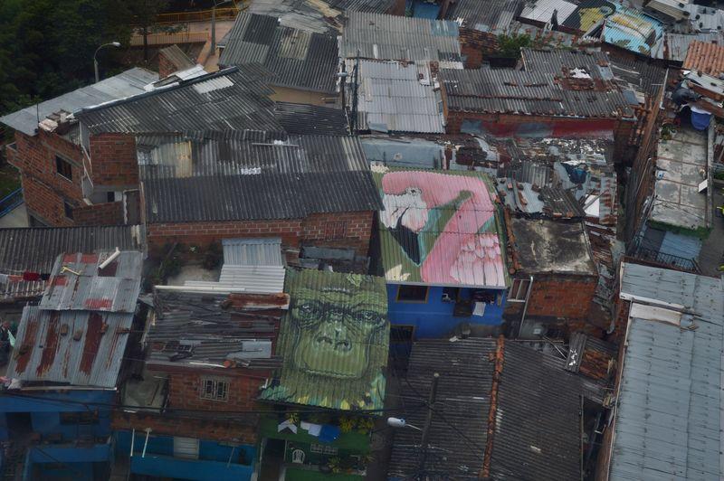 Вид на Медельин сверху - из кабинки телеферико