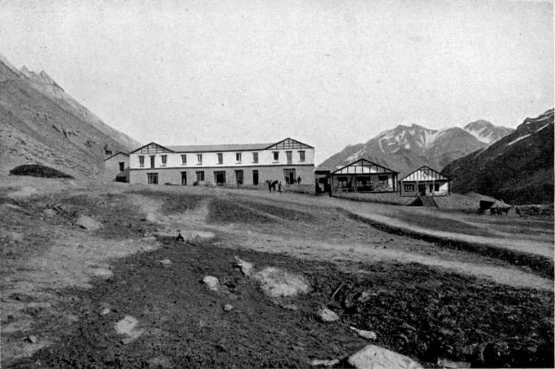 Старая фотография курорта Пуэнте дель Инка