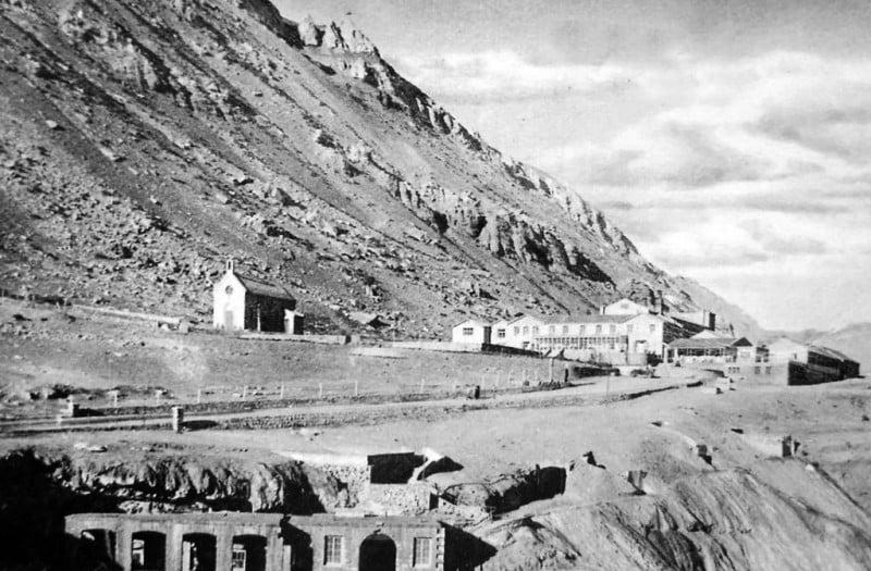 Архивное фото — поселок Пуэнте дель инка