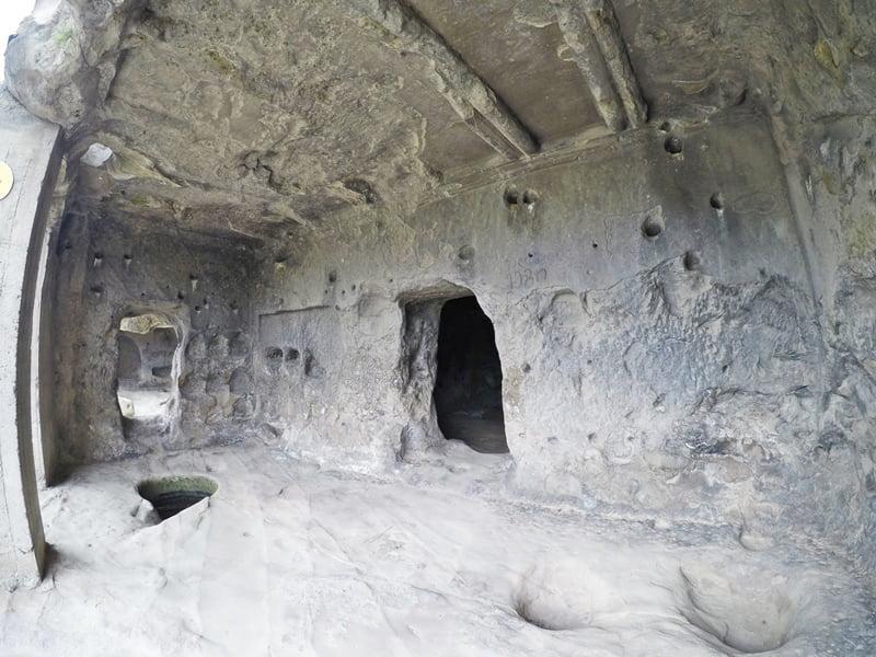 Храм в Уплисцихе Гори