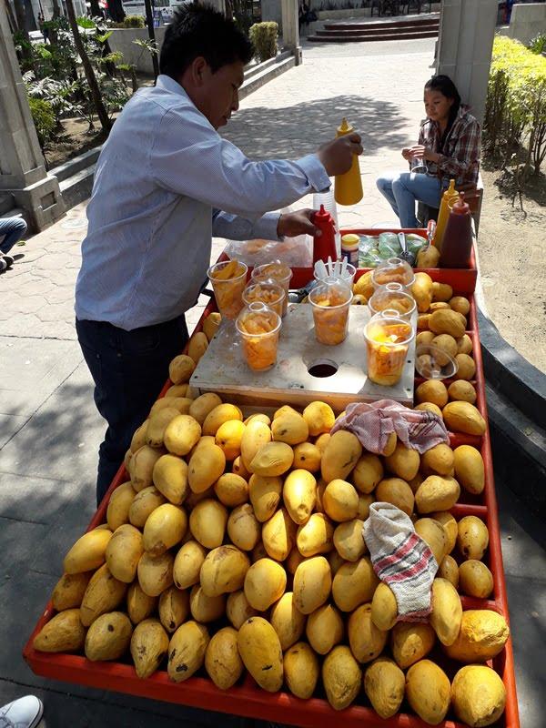 продавец манго