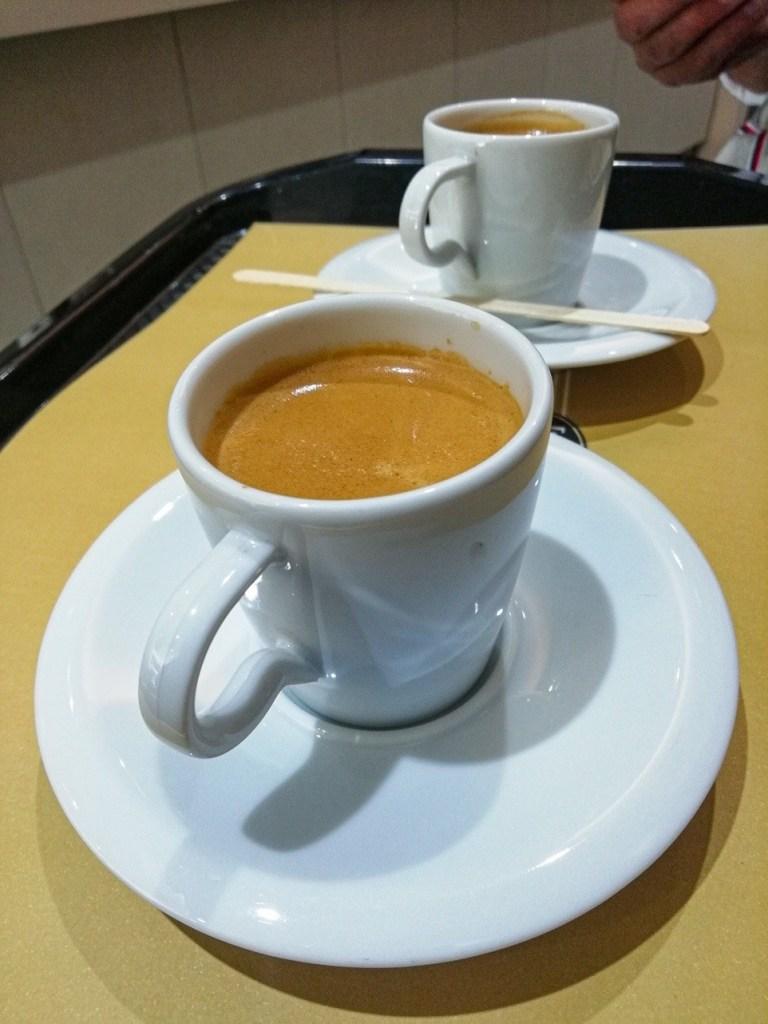 Две чашки эспрессо