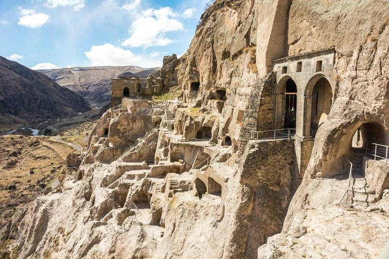 Вардзиа монастырь