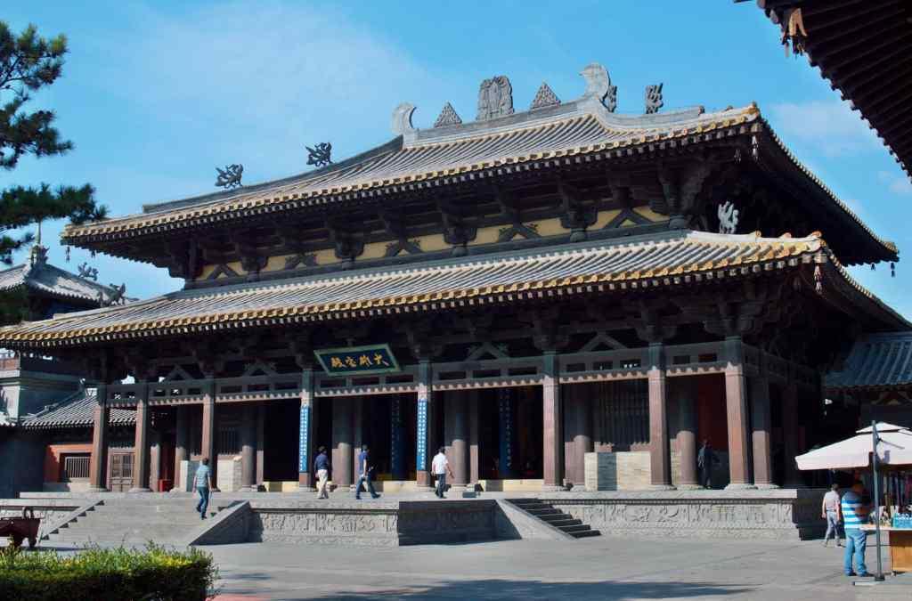 буддистский современный храм