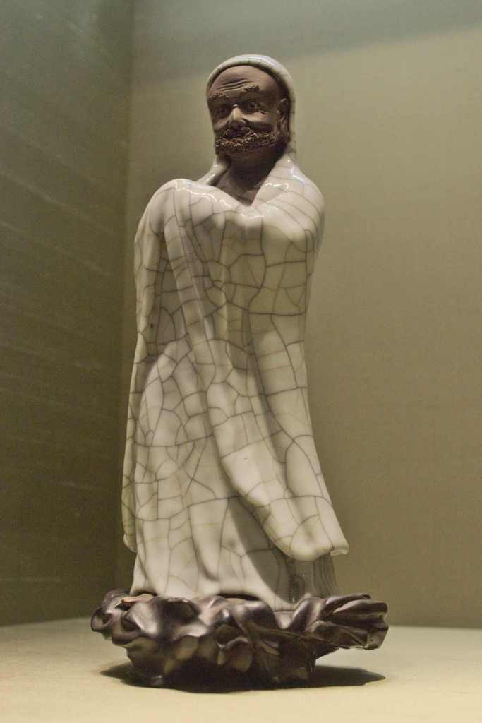 Фарфоровая фигурка музей Сучжоу