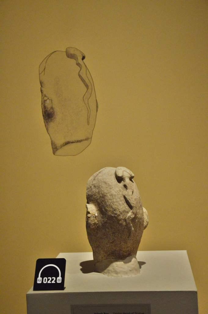 Змея на затылке - скульптура неолита