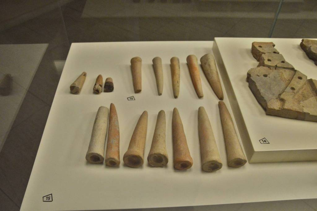 Конусы из глины