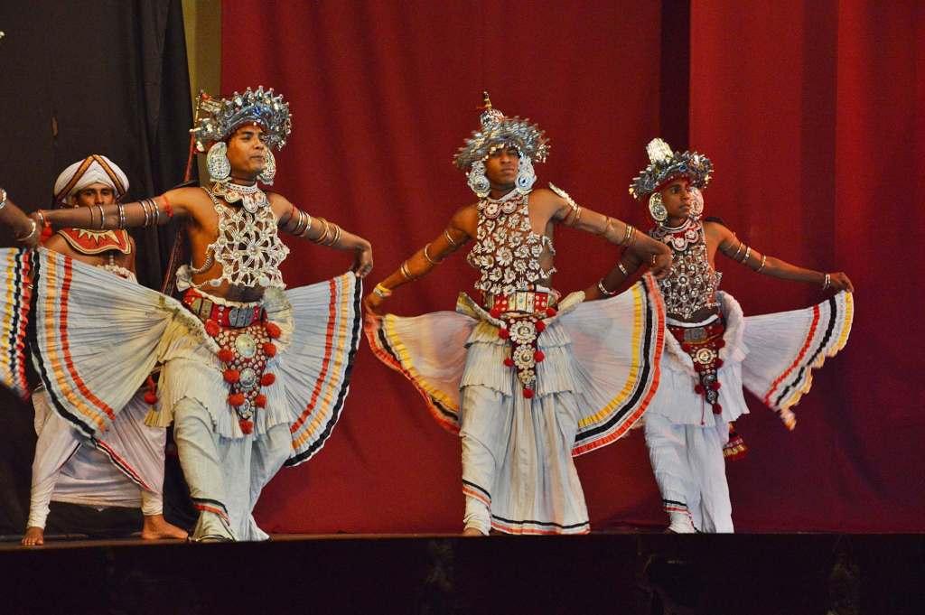 Танцы Шри-Ланки - ритуал Вес