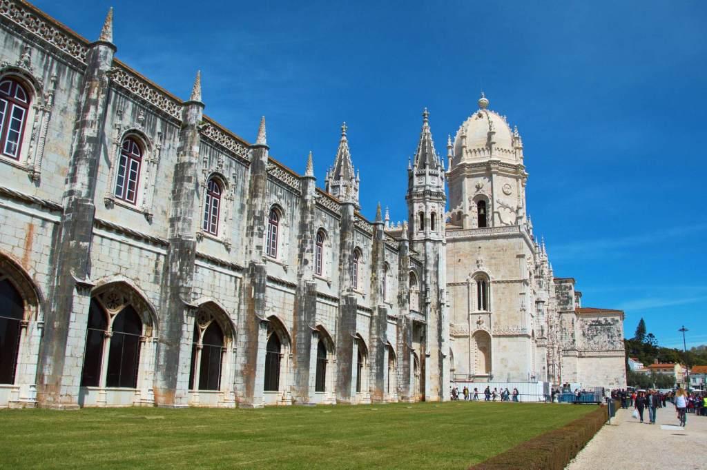 Красивое здание в Португалии - ЮНЕСКО, район Белен