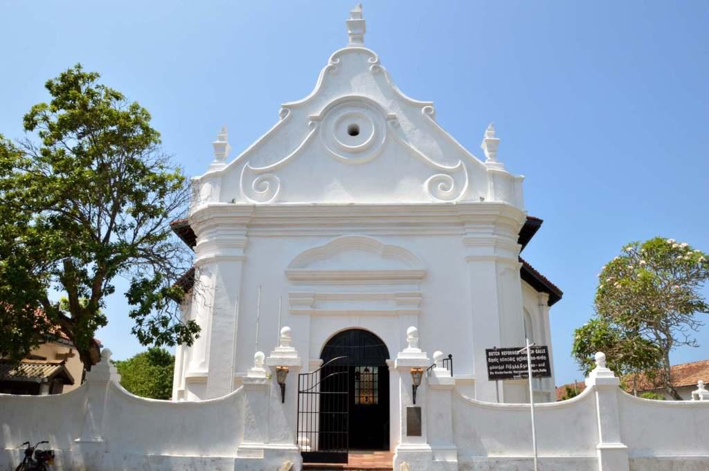 Фасад храма