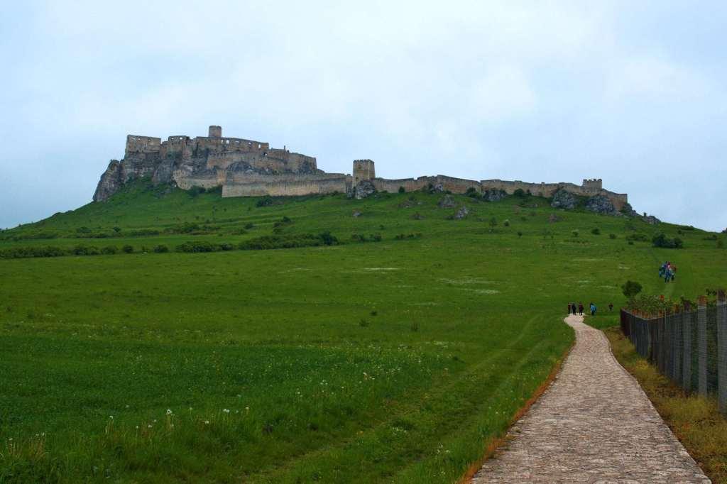 Средневековое оборонительное сооружение в Словакии