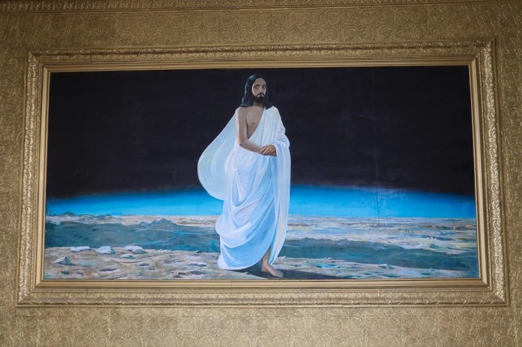 иисус в белой одежде