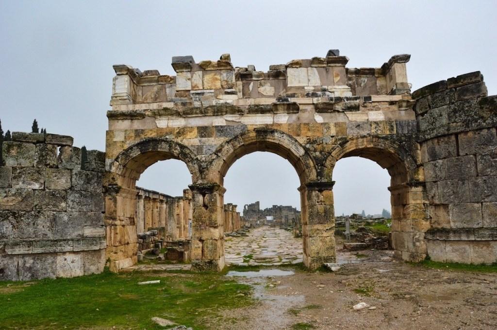 Северные Византийские ворота Иераполис