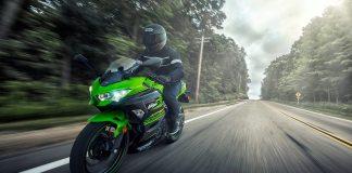 Kawasaki Ninja 400 acção