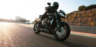 Triumph mostra nova Street Triple RS 2020
