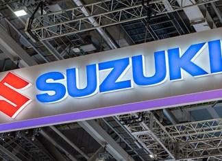 Suzuki com 8 motos no Salão de Tóquio