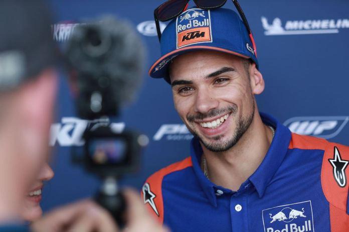 [Imagem: Miguel-Oliveira-Red-Bull-KTM-2020.jpg?re...C464&ssl=1]