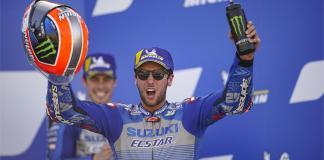 Alex Rins celebra vitória